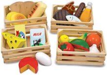 Melissa & Doug Grupos de Alimentos de Juguete, Juguete de Madera, Juego de Imitación (21 Piezas de Madera Pintadas a Mano y 4 Cajones)