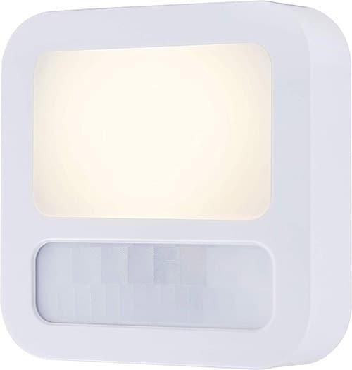 GE 40865, luz nocturna LED con sensor de movimiento, enchufable, de anochecer a amanecer, moderna, ideal para sala de estar, baño, recámara, pasillo, guardería, sótano, color blanco