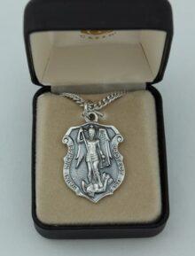 Creed Medalla de San Miguel de San Miguel en Tono de Plata oxidada, de 61 cm con Caja de Regalo (SO9393)