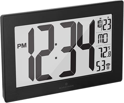 Marathon CL030068BK-BS Reloj de Pared Atómico Panorámico Delgado con Calendario, 8 Zonas Horarias, Temperatura Interior, y Soporte de Mesa - Pilas Incluida. Color- Negro/Acero Inoxidable.