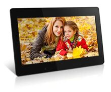 "Aluratek (ADMPF118F) 18.5"" Hi-Res Digital Photo Frame with 4 GB Built-In Memory and Remote (1366 x 768 Resolution), Photo/Music/Video Support, Wall Mountable"